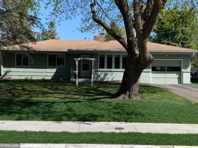231 Academy Avenue, Excelsior, MN 55331