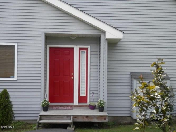 102-110 Glen Combe Cir, Milford, PA 18337