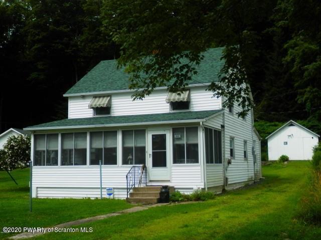 224 W Shore Dr, Lake Ariel, PA 18436