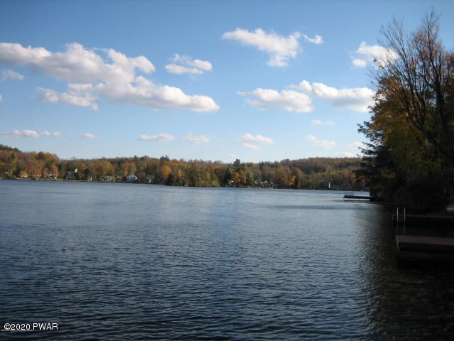 224 W Shore Dr, Lake Ariel, PA 18436