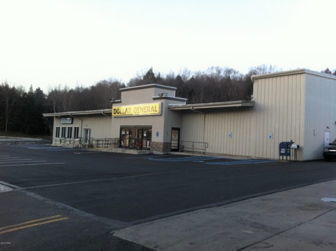 208 S Main St, Moscow, PA 18444