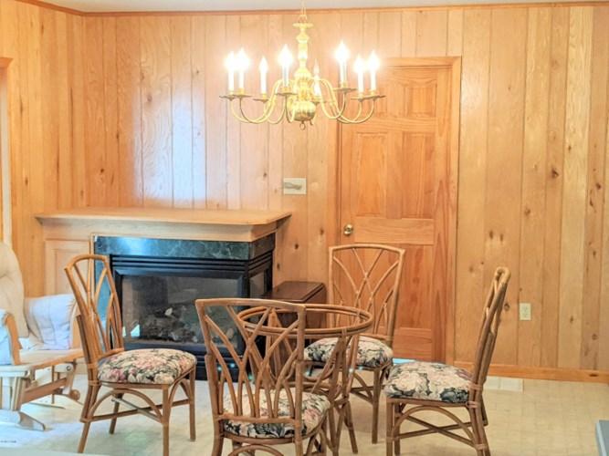 174 Neil Thompson Rd, Lackawaxen, PA 18435