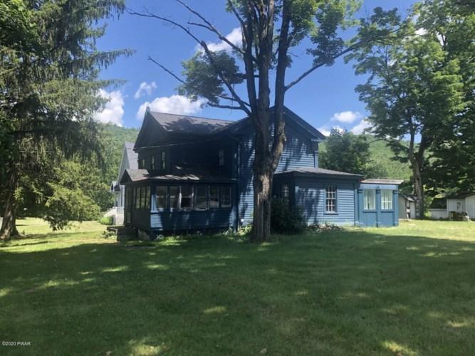 14 Lordville Rd, Equinunk, PA 18417
