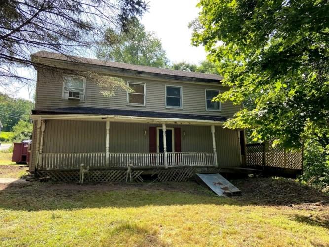 1453 Calkins Rd, Milanville, PA 18443
