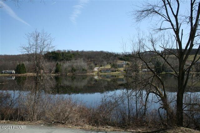 55 Bunnell Pond Rd, Honesdale, PA 18431