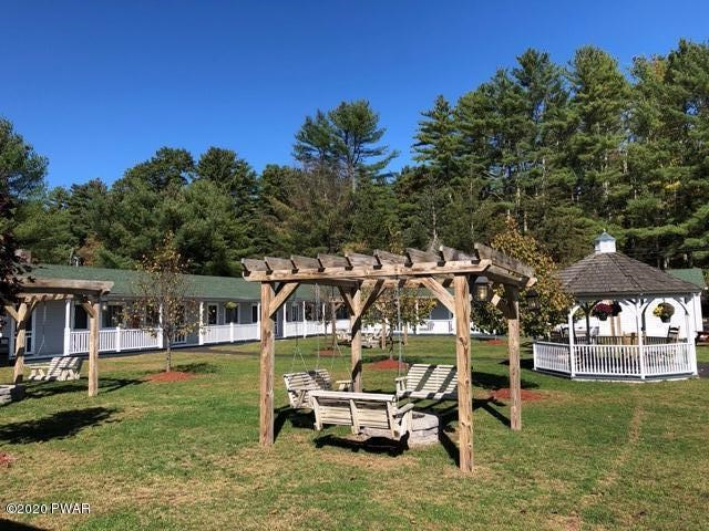211 Mail Rd, Barryville, NY 12719