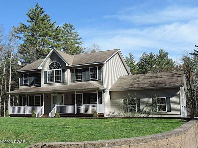 109 Fox Tail Rd, Greeley, PA 18425