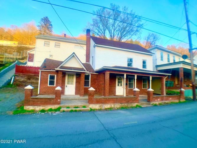 215 Riverside Dr, Honesdale, PA 18431