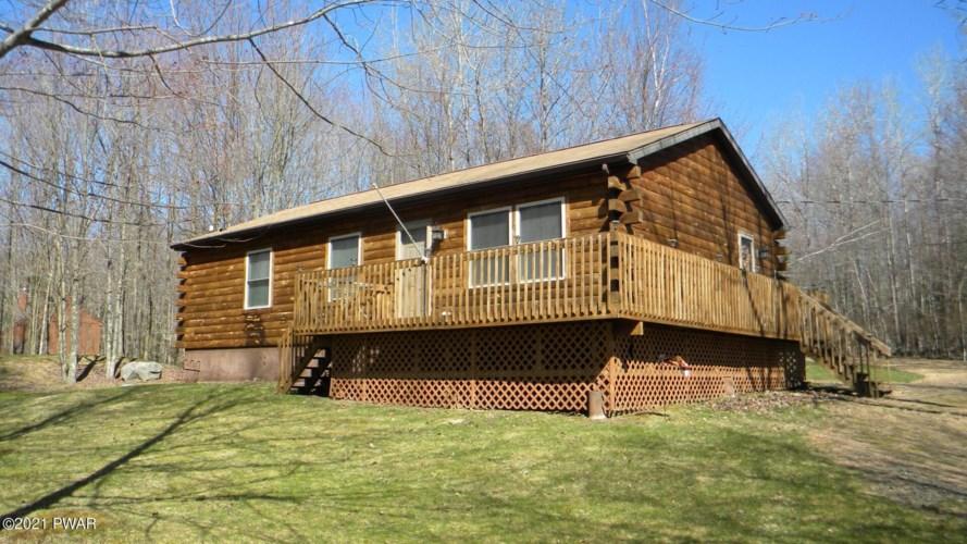 81 Black Bear Rd, Lake Ariel, PA 18436