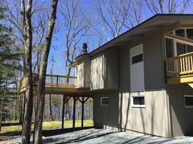 200 Forest Dr, Lords Valley, PA 18428