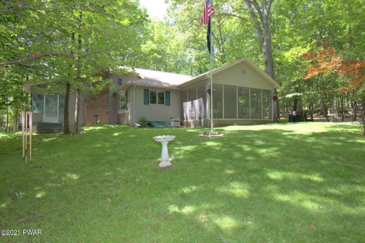 523 Lakeshore Dr, Lakeville, PA 18438