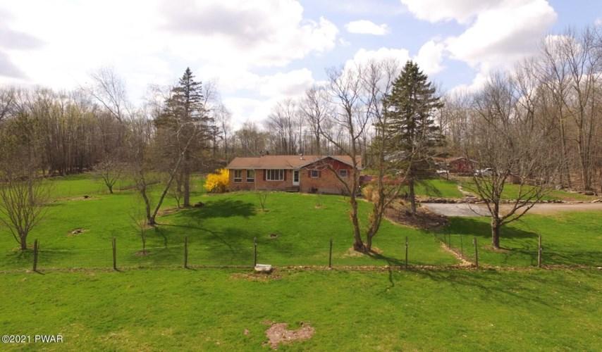 15 Stonewall Farm Dr, Honesdale, PA 18431