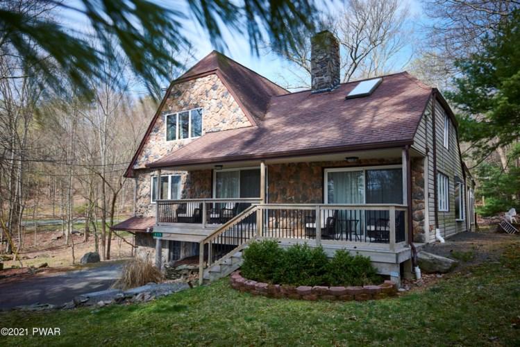 335 Lakeshore Dr, Lakeville, PA 18438