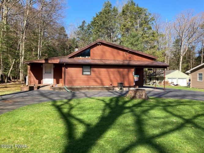 113 Colony Cove East Dr, Tafton, PA 18464