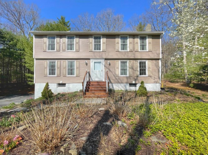 144 Meadow Ridge Acres Rd, Milford, PA 18337