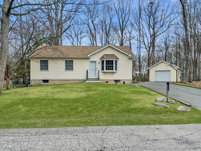 104 Roundhill Rd, Dingmans Ferry, PA 18328