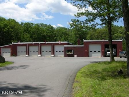 108 Surrey Drive, Lords Valley, PA 18428