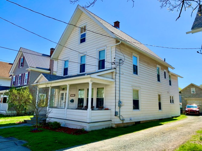 1222 Dyberry Pl, Honesdale, PA 18431
