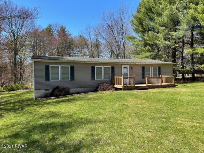 297 Forest Ridge Dr, Hawley, PA 18428
