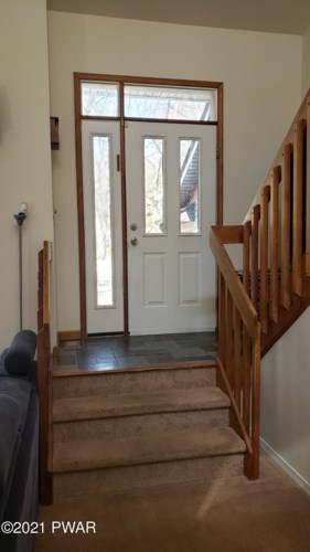 115 Willow Dr, Lords Valley, PA 18428