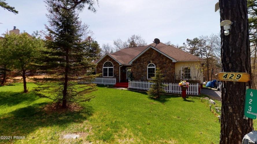 429 Mallard Ln, Bushkill, PA 18324