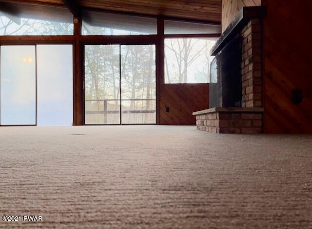 112 Corral Ln, Lords Valley, PA 18428