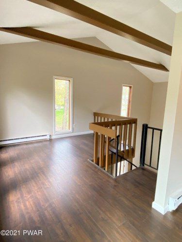 154 Heather Hill Rd, Dingmans Ferry, PA 18328