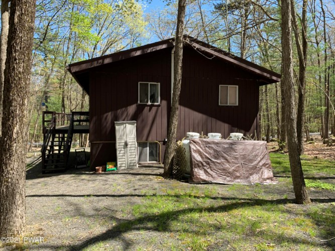224 Basswood Dr, Lords Valley, PA 18428