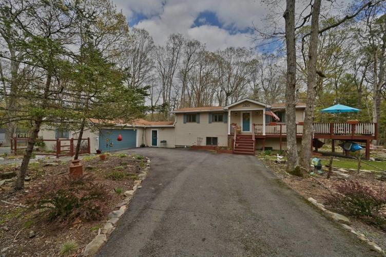 124 Paul Revere Rd, Lackawaxen, PA 18435