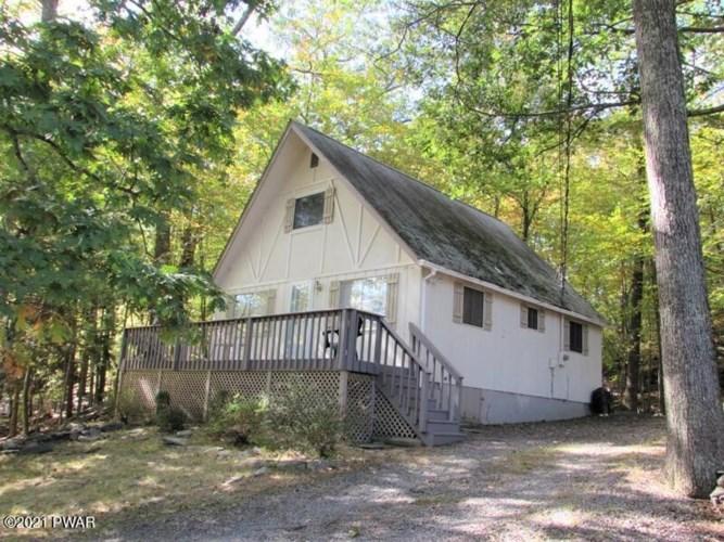 326 Wild Acres Dr, Dingmans Ferry, PA 18328