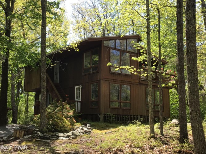 113 Whippletree Ln, Lords Valley, PA 18428