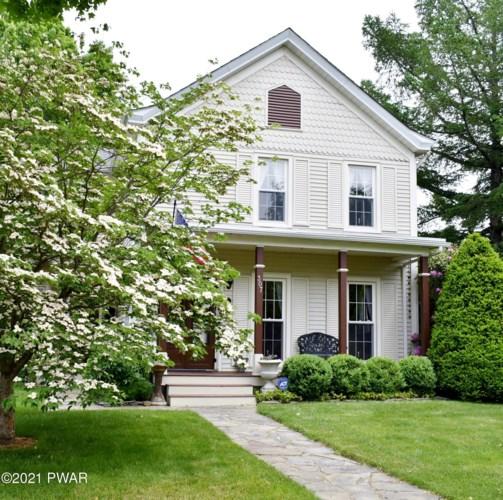 307 W Ann St, Milford, PA 18337