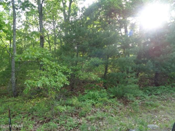 Lot 7 Bear Walk Dr, Milford, PA 18337