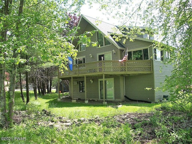 189 S Fairway Dr, Lake Ariel, PA 18436