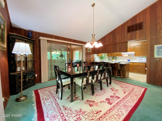 432 Maple Ridge Dr, Lords Valley, PA 18428