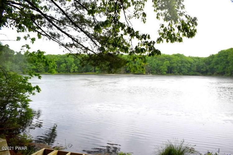 Lot 4 Twin Pond Way, Hawley, PA 18428