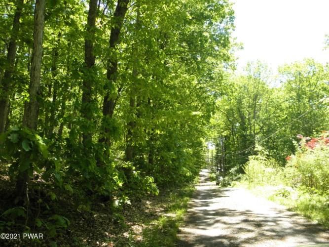 3 rd road, Lake Rd, Hawley, PA 18428