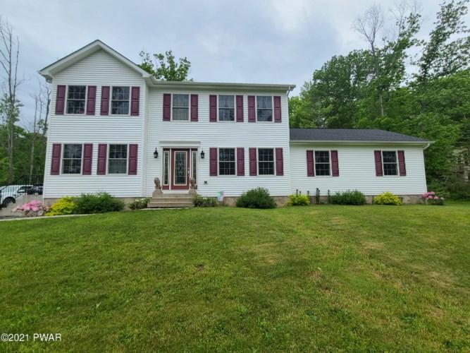 34 Oak Ln, Waymart, PA 18472