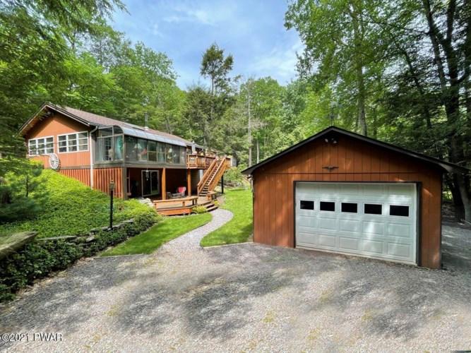 114 Lone Oak Rd, Lakeville, PA 18438
