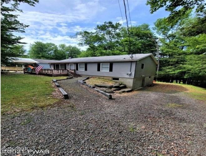 1049 Green Valley Cir, Lake Ariel, PA 18436