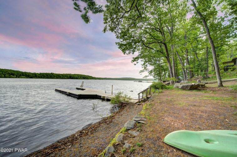 48 Lake Dr, Hawley, PA 18428