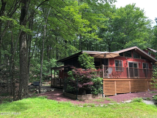 520 Forest Dr, Lords Valley, PA 18428