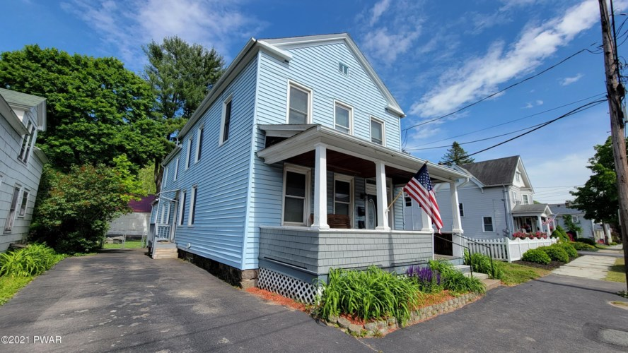 1113 Court St, Honesdale, PA 18431