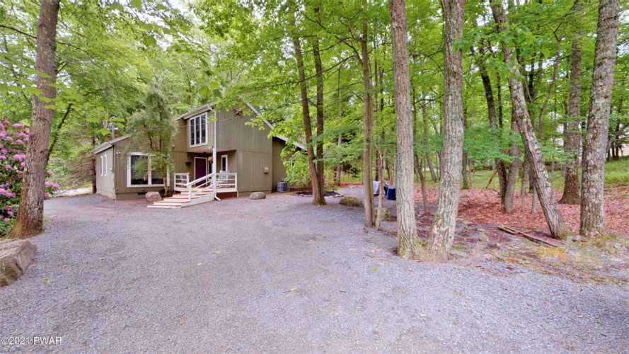 401 Surrey Drive, Lords Valley, PA 18428