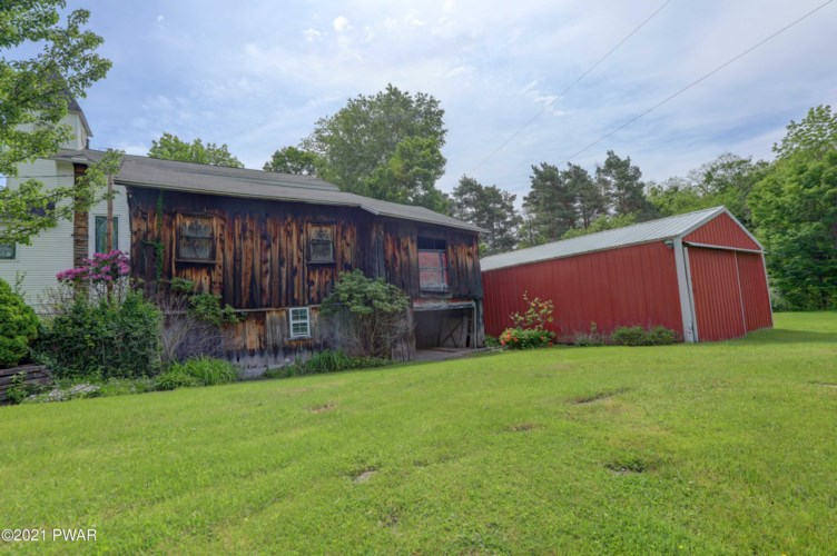 20 Pond Rd, Moscow, PA 18444