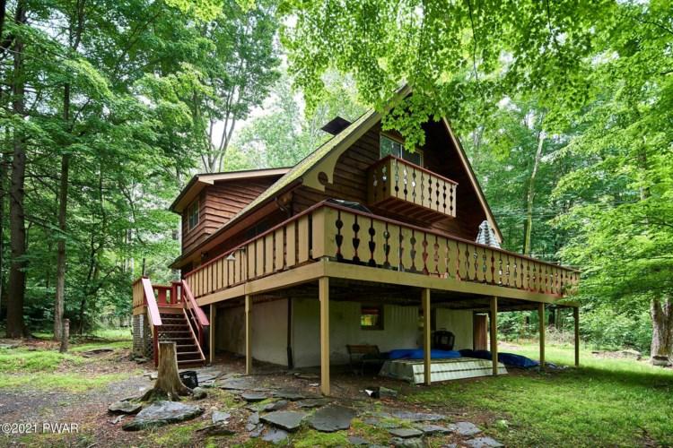 109 W Birch Ln, Greentown, PA 18426