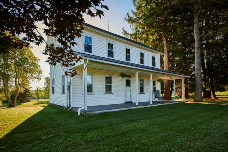 127 & 129 Valleyview and Sawmill Rd, Greentown, PA 18426