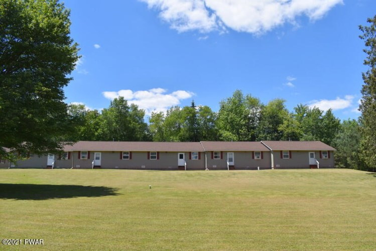 22 Twin Willows Dr, Honesdale, PA 18431