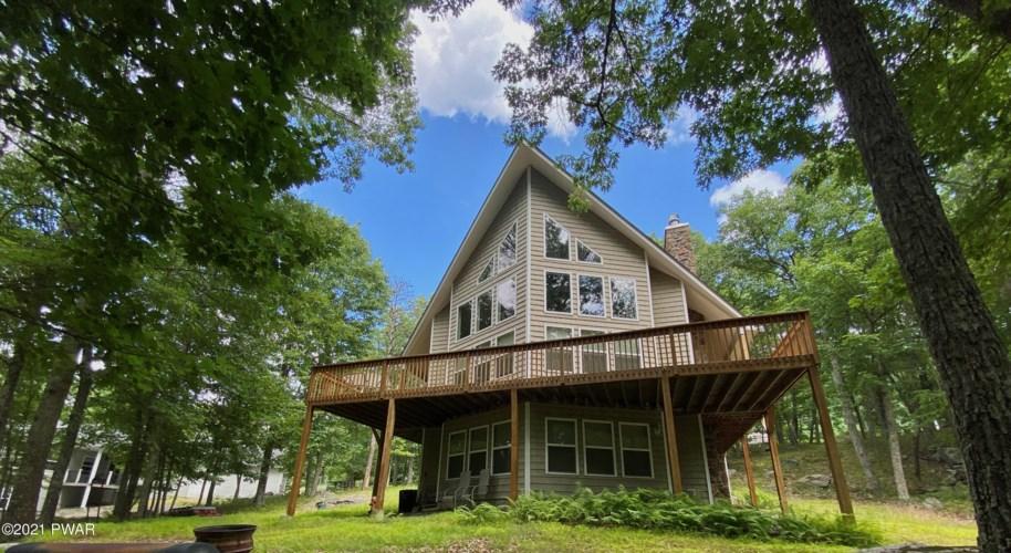 312 W Lakeview Rd, Lackawaxen, PA 18435