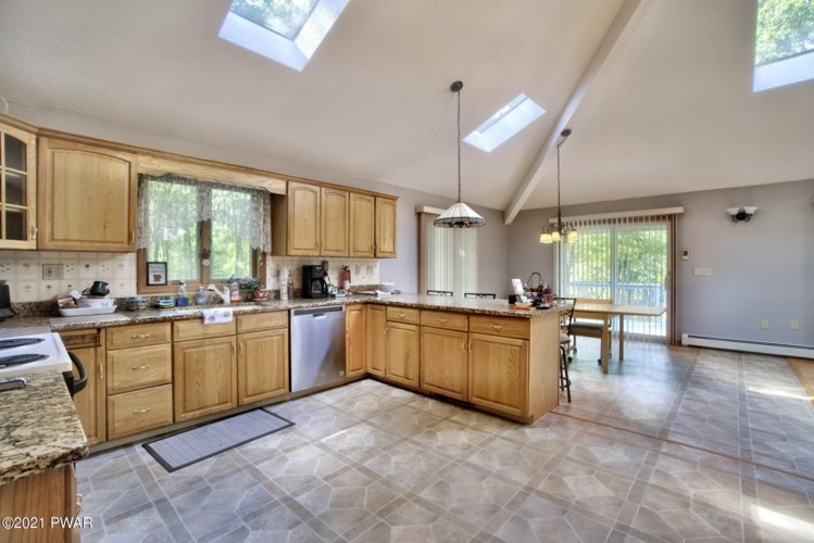 802 Cherry Ct, Lords Valley, PA 18428